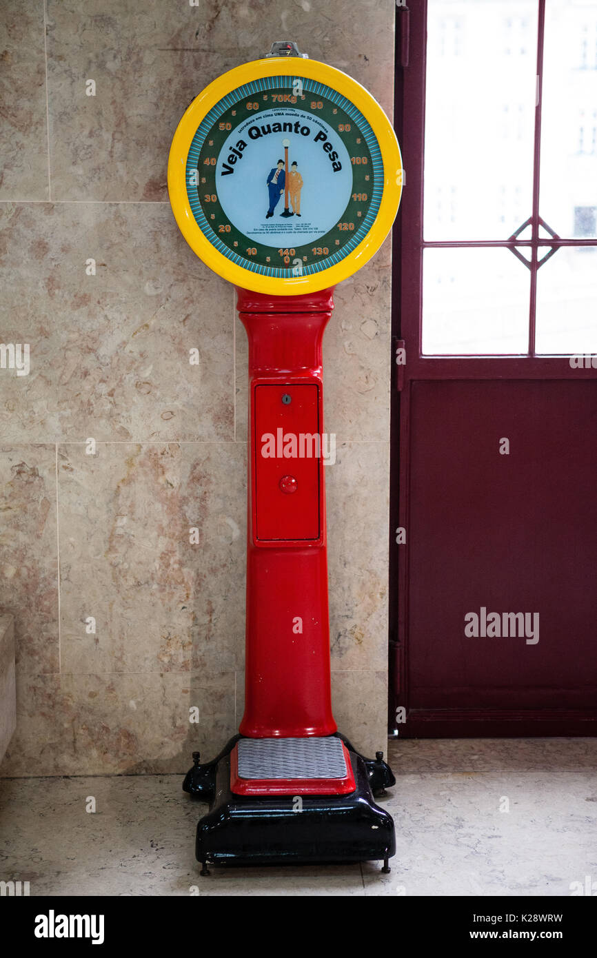 Weighing Machine Stock Photos Amp Weighing Machine Stock