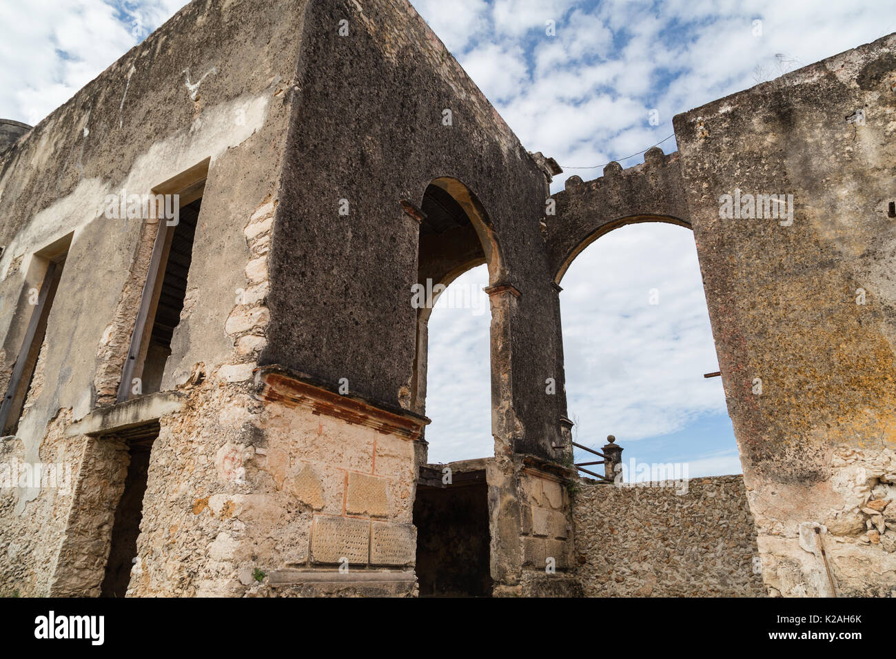 One of buildings at Hacienda Yaxcopoil, Yaxcopoil, Yucatan, Mexico. - Stock Image