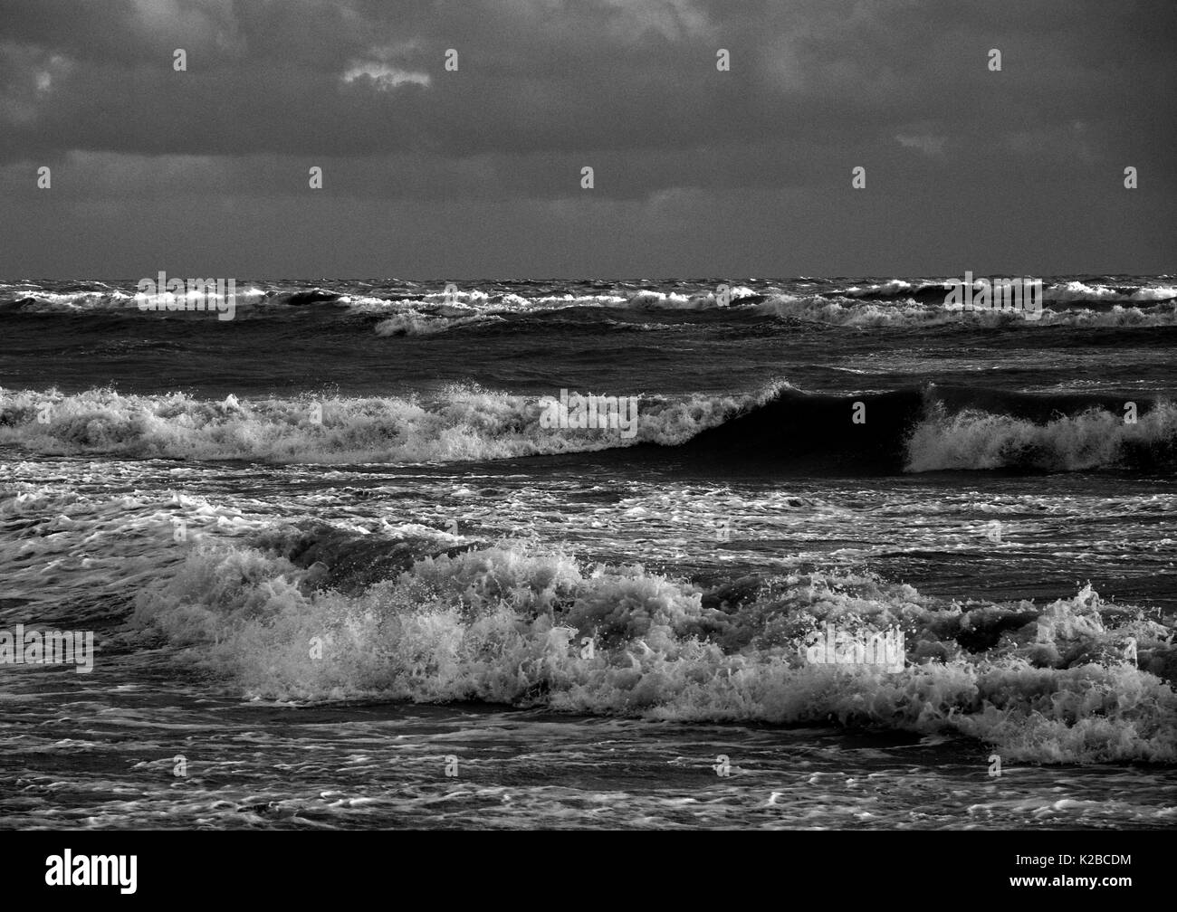 AJAXNETPHOTO. WORTHING, ENGLAND. - STORMY SEAS ON THE SOUTH COAST AFTER AUTUMNAL GALES. PHOTO;JONATHAN EASTLAND/AJAX REF:P78_132810_124 - Stock Image