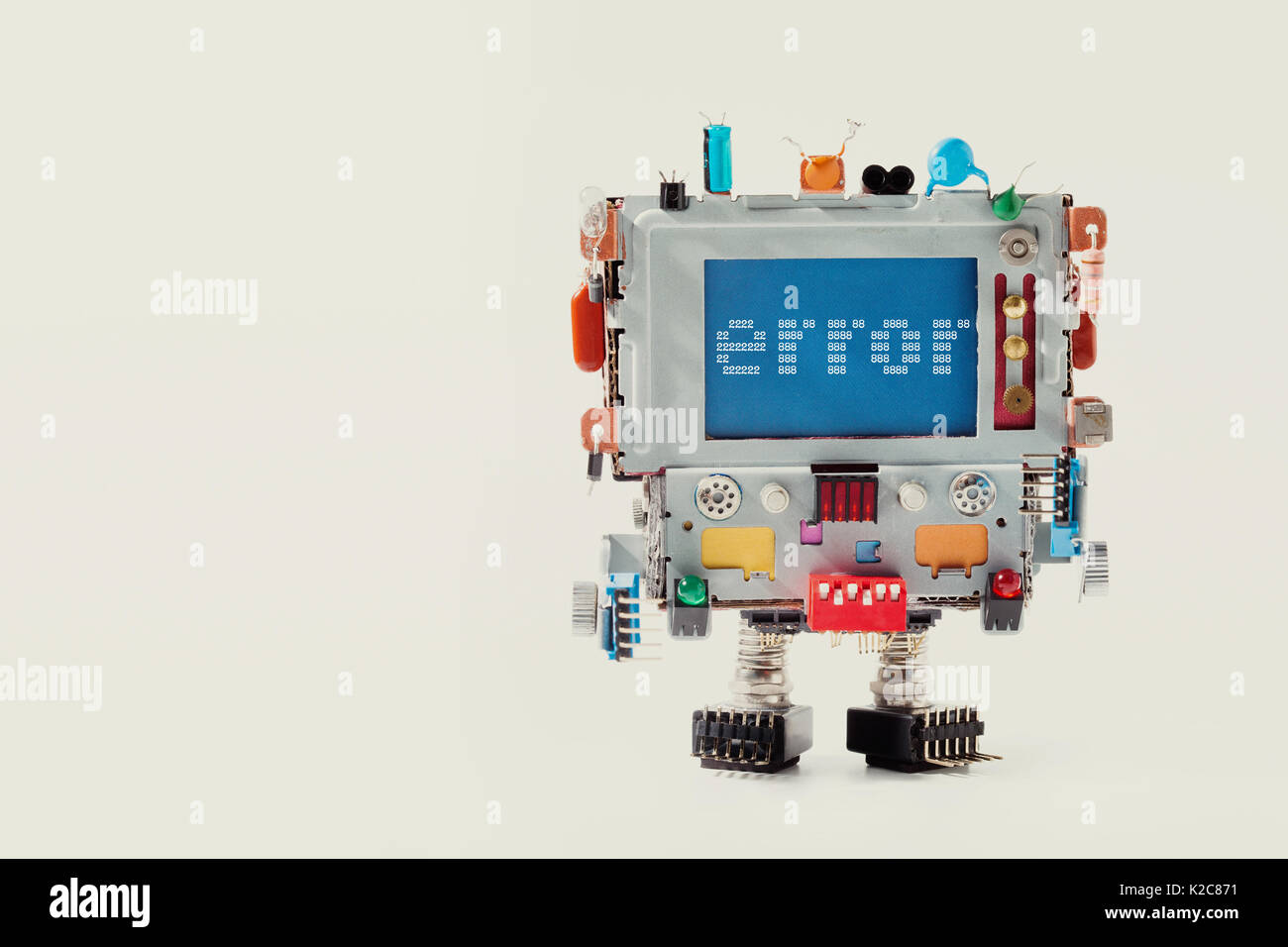 Error 404 page template for website. Retro robot with monitor computer head, colorful capacitor. warning message on blue screen. macro copy space photo - Stock Image