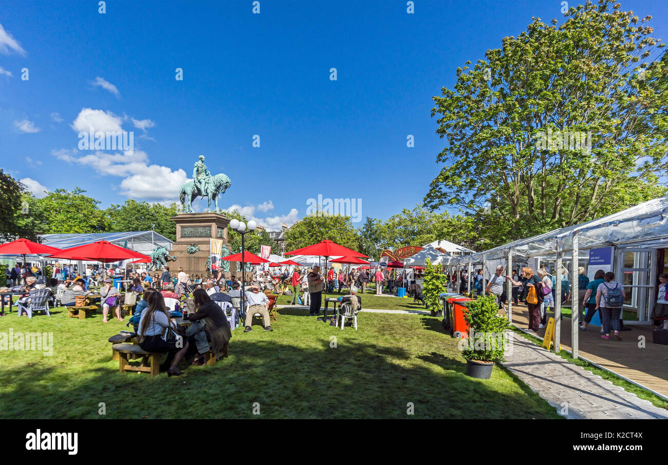 Edinburgh International Book Festival 2017 in Charlotte Square Private Garden centre of Edinburgh Scotland UK with Albert Memorial - Stock Image