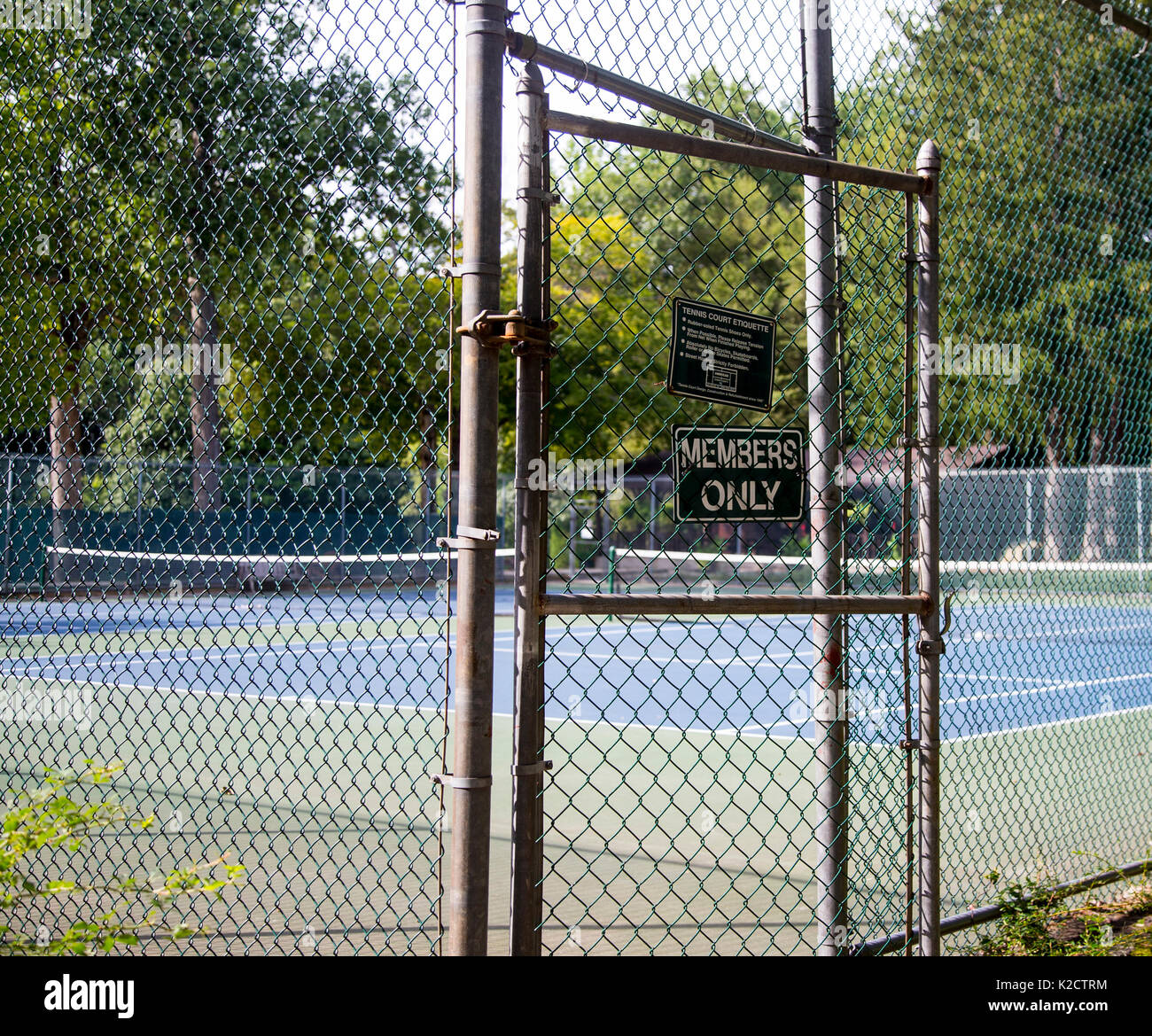 Members Only sign at the entrance to tennis courts in Upper Saddle River, New Jersey - Stock Image