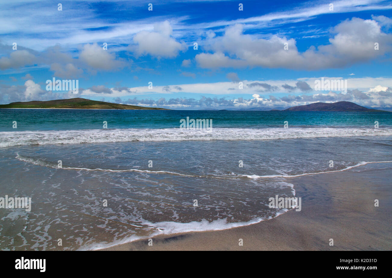 Beach and sea, Traigh Lar, North Uist, Hebrides, Scotland, UK, June. - Stock Image