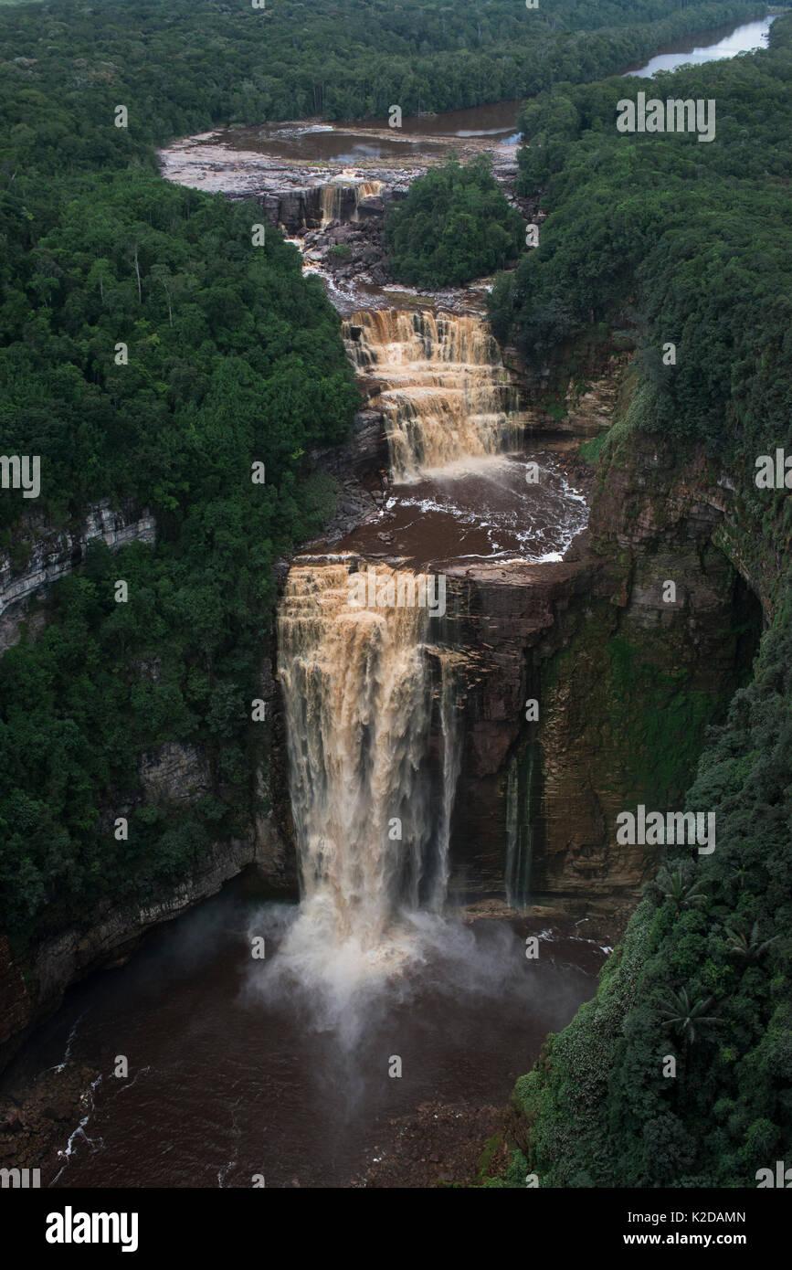 Sakaika Falls seen from the air, Ekereku river, Cuyuni-Mazaruni Region, Guyana, South America - Stock Image