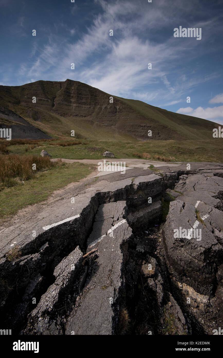 The Mam Tor Landslide, an active landslide with a 70m back scarp slope, which truncates the old Sheffield to Manchester Road the A625, at Castleton, Derbyshire, UK, November 2014 - Stock Image