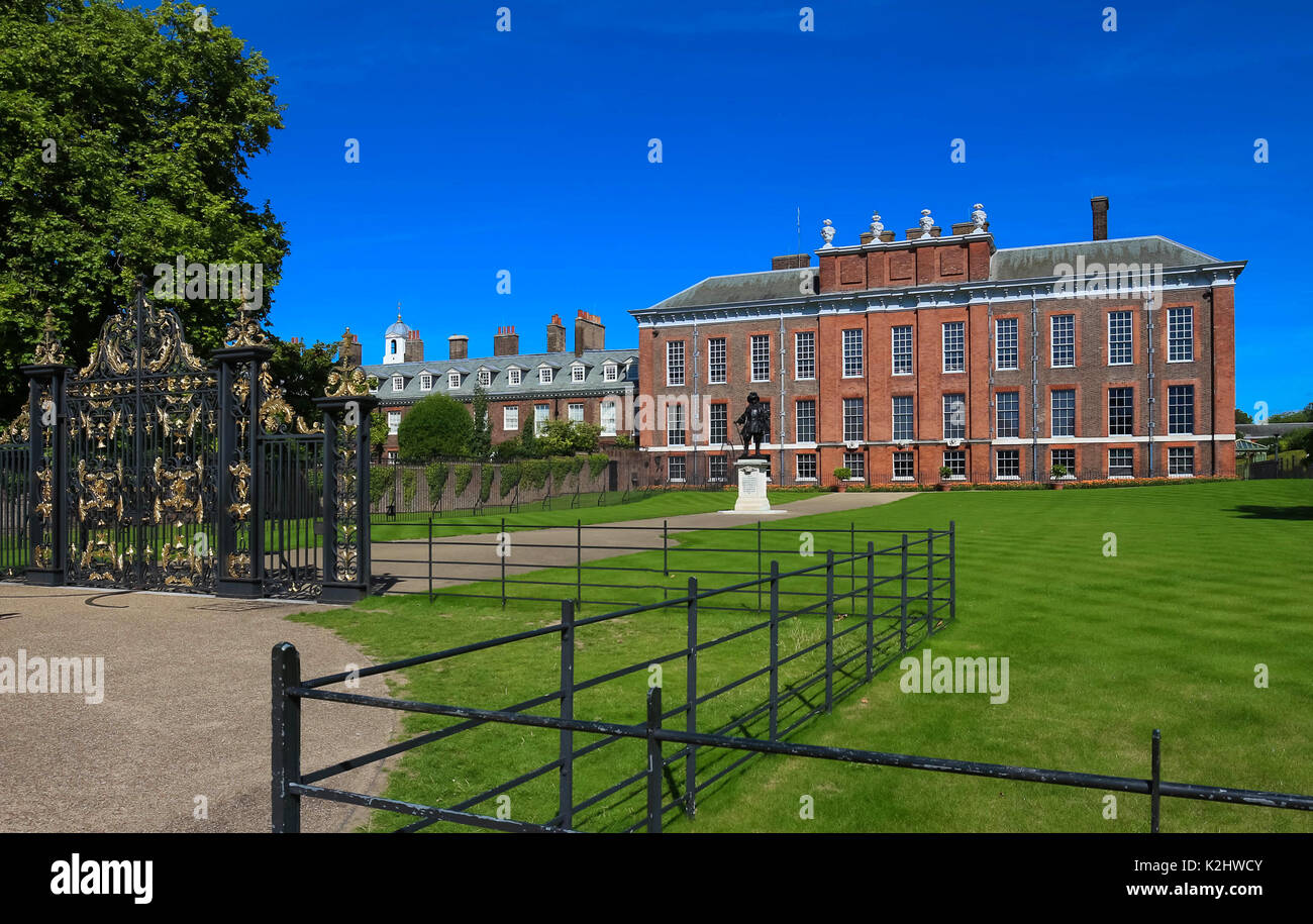 The front view of Kensington Palace and Kensington Park, London. - Stock Image