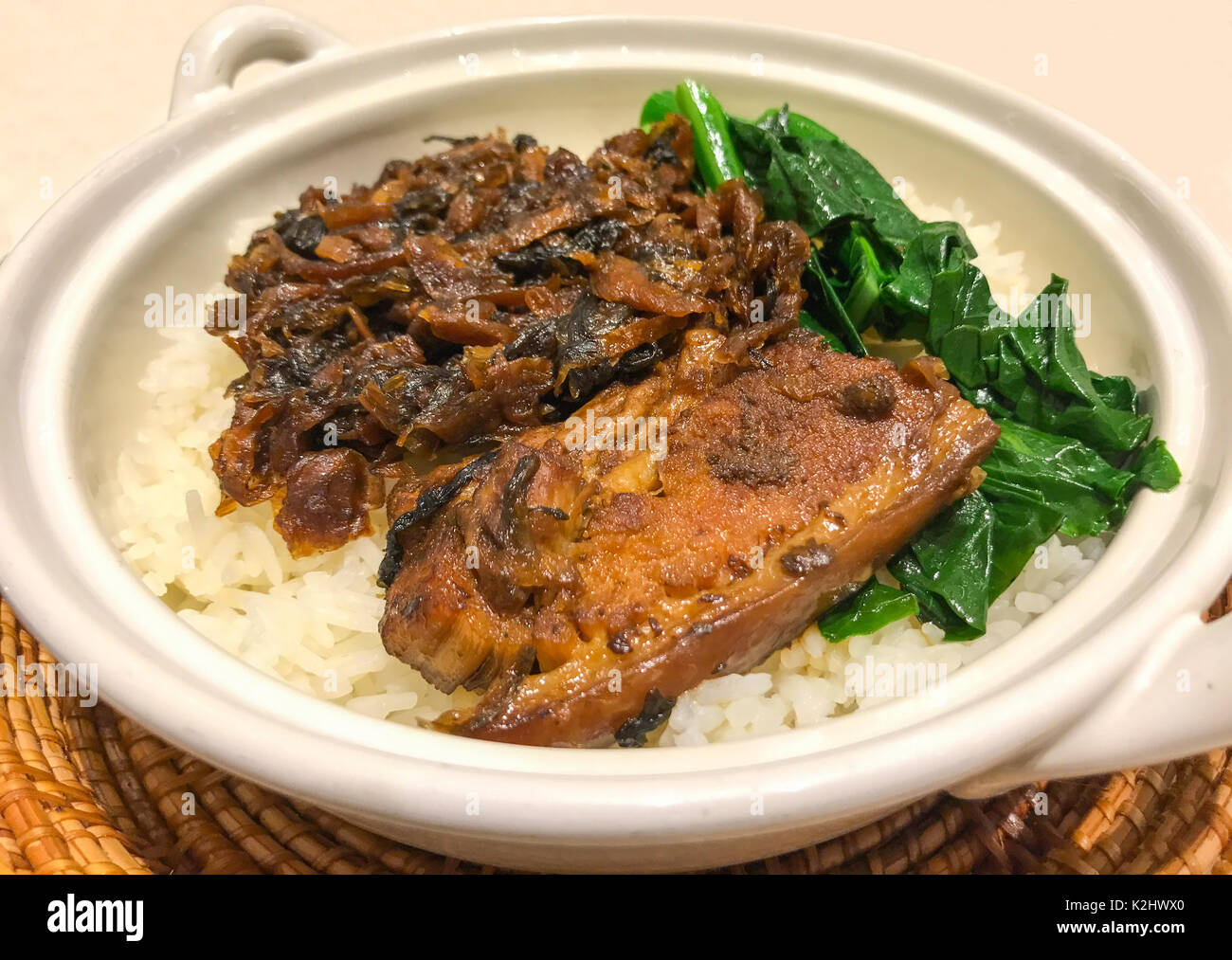 Steamed belly pork with swatow mustard cabbage recipes asian stock steamed belly pork with swatow mustard cabbage recipes asian traditional chinese food forumfinder Image collections