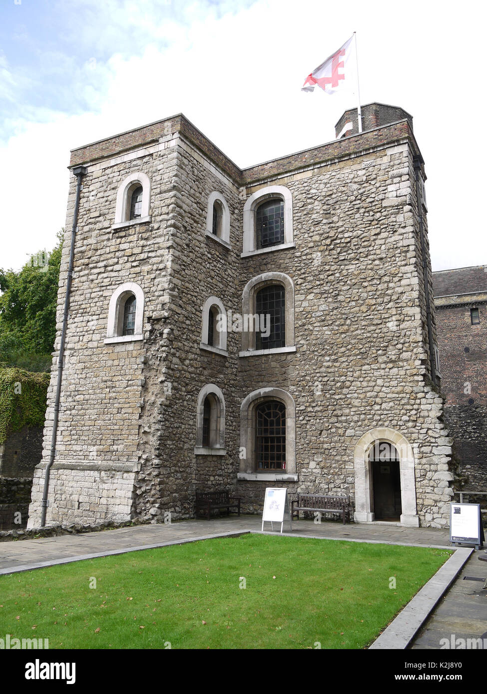 London, UK, 10th Aug, 2017. The Jewel Tower at Westminster in London Stock Photo