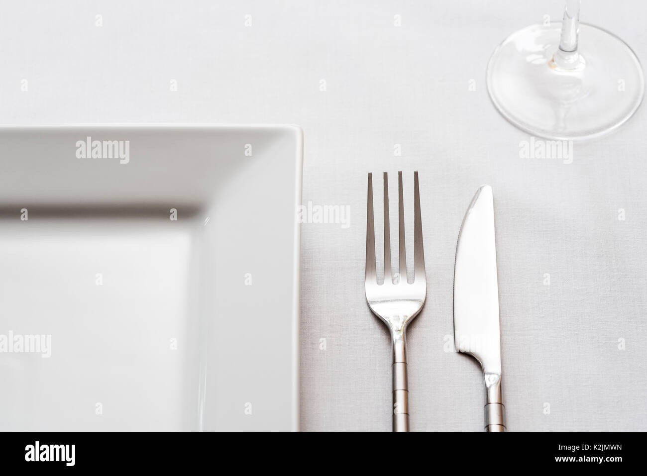Single place table setting knife fork plate Stock Photo 156534161 - Alamy & Single place table setting knife fork plate Stock Photo: 156534161 ...