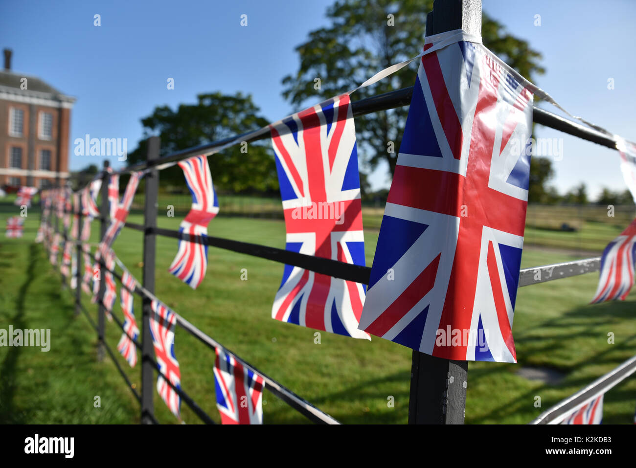 Kensington Palace, London, UK. 31st Aug, 2017. Tributes cards flowers  are laid outside Kensington Palace for the Stock Photo