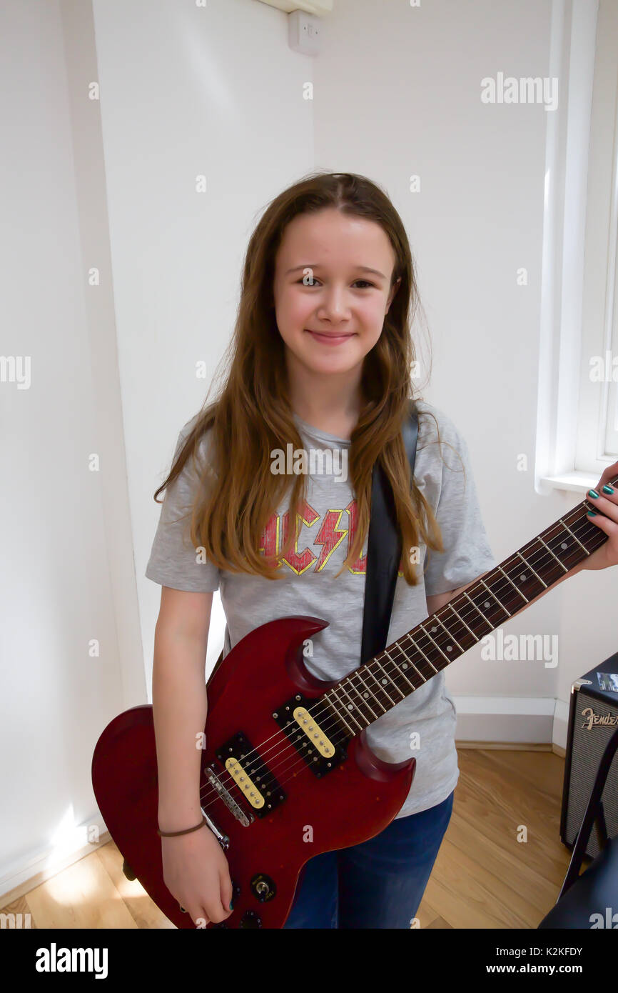London,UK,31st August 2017,Lucy Gowan joined London's top young buskers who took part in a boot camp with music industry experts at the Umbrella Rooms music studios in the heart of the West End before going head-to-head at the Gigs Grand Final at Westfield this Sunday. Twelve competitors have made it through to the Grand Final, where they will battle it out for the title of Gigs Champion 2017 and a range of top prizes including a London Underground busking licence, studio time and busking equipment and a busking trip to Paris©Keith Larby/Alamy Live News Stock Photo