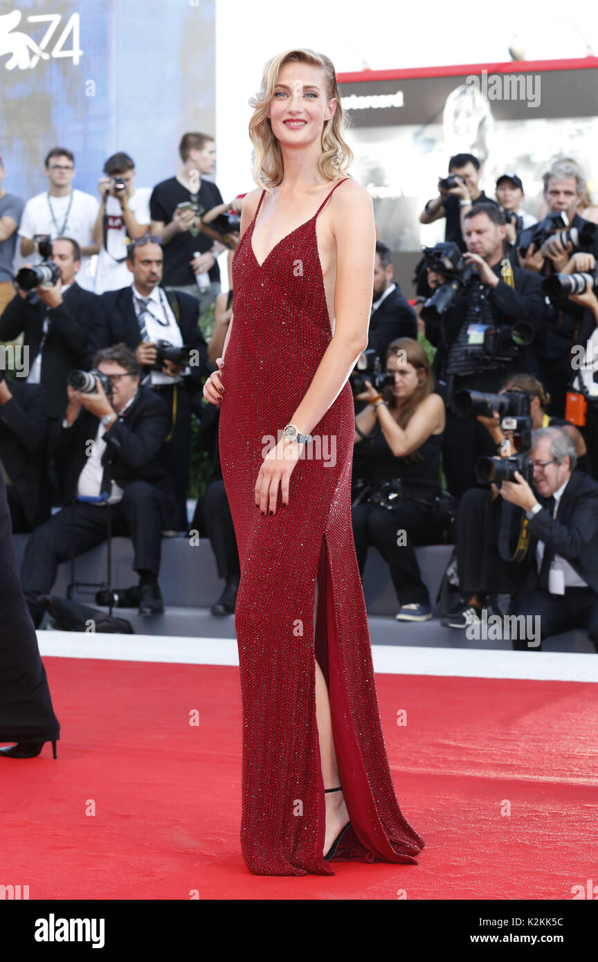 Eva Riccobono attending the 'Downsizing' premiere and opening of the 74th Venice International Film Festival at the Palazzo del Cinema on August 30, 2017 in Venice, Italy. | Verwendung weltweit - Stock Image