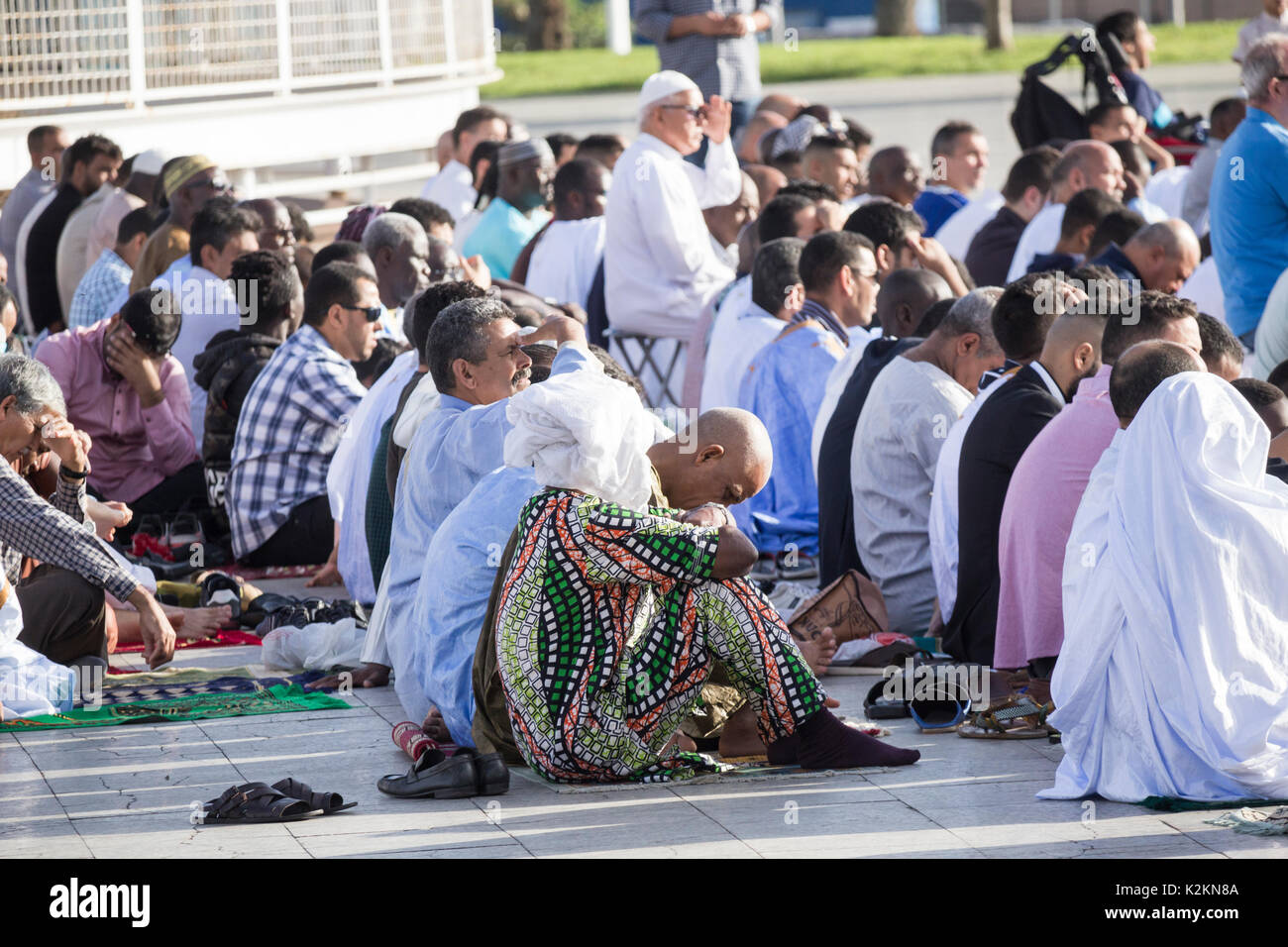 Las Palmas, Gran Canaria, Canary Islands, Spain. 1st September, 2017. Spain: Hundred of Muslims in Las Palmas, the capital of Gran Canaria, gather for prayers to celebrate Eid al-Adha ( 'sacrifice feast') on Friday morning. - Stock Image