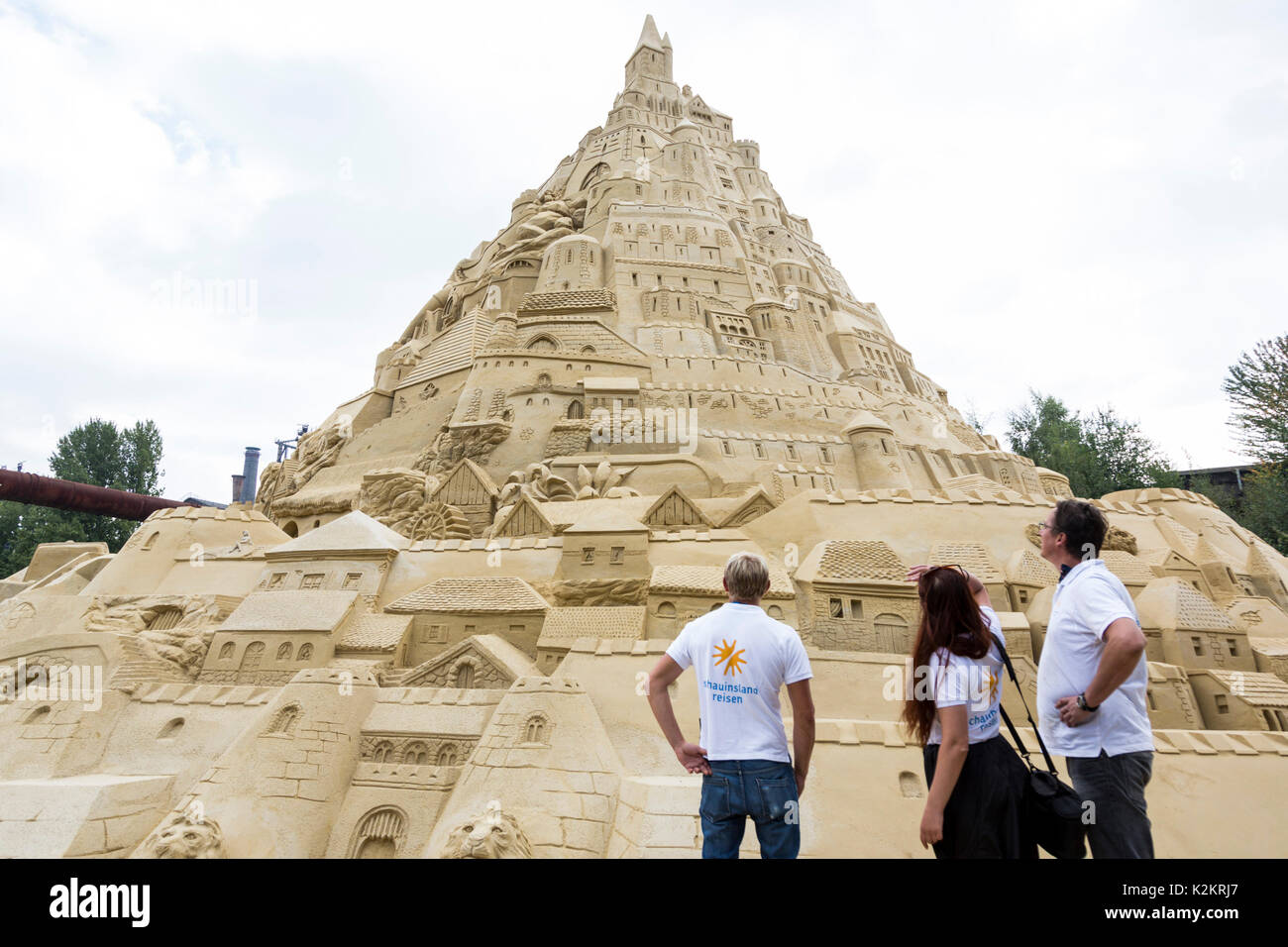 Duisburg, Germany. 1 September 2017. Created by travel company schauinsland-reisen, the record for the tallest sandcastle in the world (16.68m) goes to Duisburg, Germany where 19 sand sculptors had worked on the structure only made of sand for 25 days. Jack Brockbank of Guinness World Records confirmed the record. Photo: Bettina Strenske/Alamy Live News - Stock Image