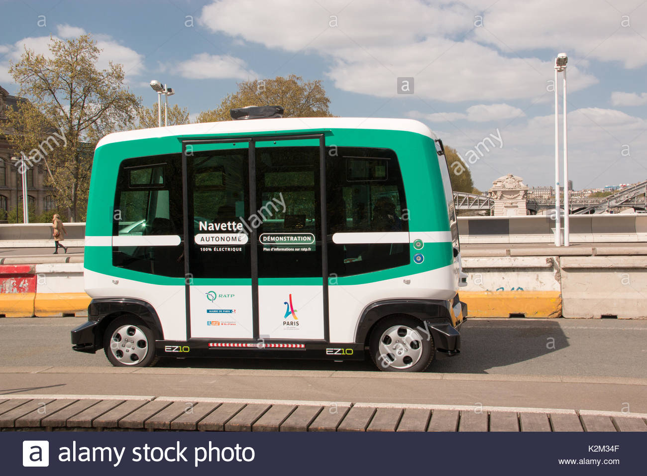 Experimentation of an autonomous electric vehicle in Paris on 6 April 2017 by the RATP group. - Stock Image