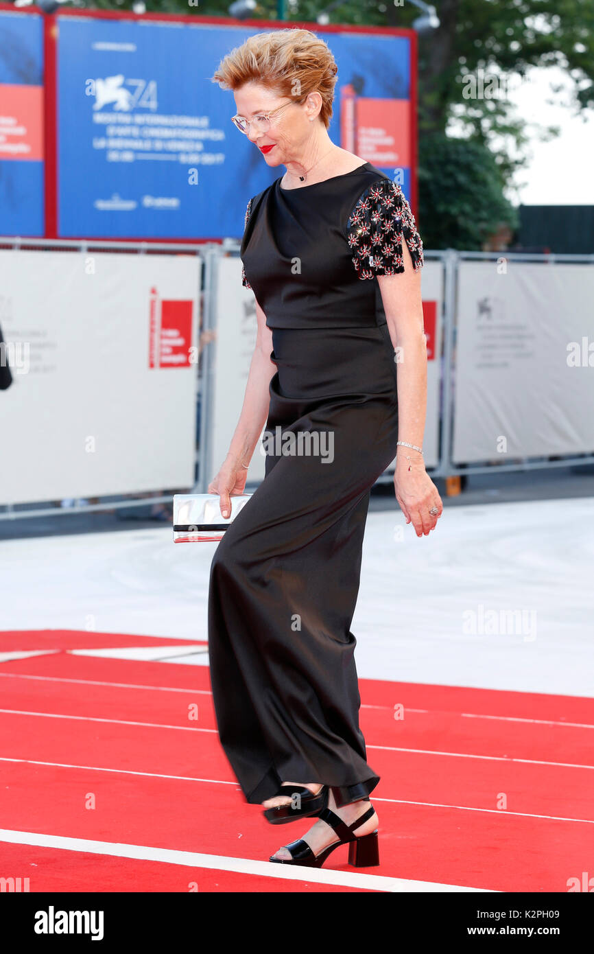 Venice, Italy. 30th Aug, 2017. Annette Bening arrives at the 'Downsizing' premiere and Opening of the 74th Venice Film Festival at the Palazzo del Cinema on August 30, 2017 in Venice, Italy. ( Credit: John Rasimus)/Media Punch ***France, Sweden, Norway, Denark, Finland, Usa, Czech Republic, South America Only***/Alamy Live News - Stock Image