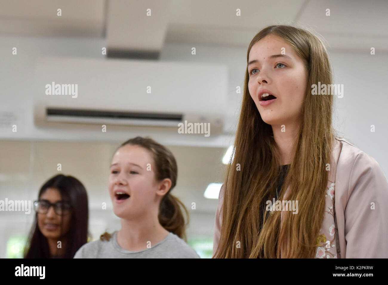 London, UK.  31 August 2017.  Young buskers hoping to be Gigs Champion 2017 take part in a boot camp with industry experts at music studios in the West End ahead of their upcoming Gigs Grand Final at Westfield London.  Gigs is the Mayor of London's annual busking competition for young songwriters and performers aged 11-25 years old. Credit: Stephen Chung / Alamy Live News Stock Photo