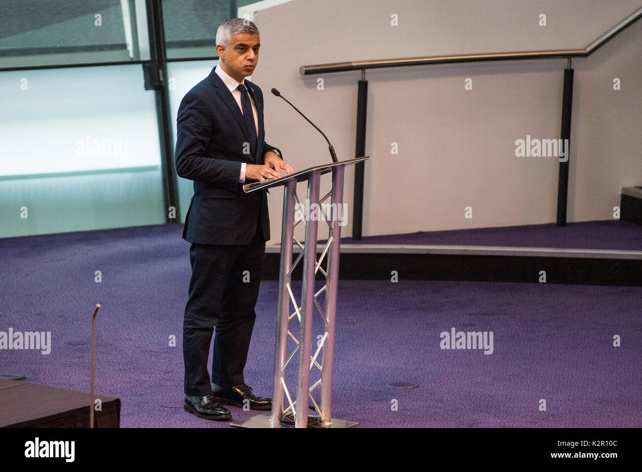 London, UK. 10th Nov, 2017. Sadiq Khan, Mayor of London, addresses the Annual Service of Remembrance at City Hall, attended by Jennette Arnold OBE AM, Chair of the London Assembly, Members of Parliament, London Assembly Members, Greater London Authority staff, representatives from London Government and public service organisations, and members of the Armed Forces, to commemorate those who served and lost their lives in the two world wars and other conflicts. Credit: Mark Kerrison/Alamy Live News - Stock Image