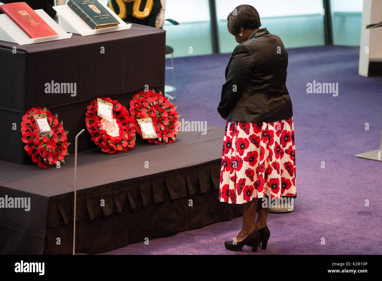 London, UK. 10th Nov, 2017. Jennette Arnold OBE AM, Chair of the London Assembly, lays a wreath at the Annual Service of Remembrance, attended by Sadiq Khan, Mayor of London, Members of Parliament, London Assembly Members, Greater London Authority staff, representatives from London Government and public service organisations, and members of the Armed Forces, to commemorate those who served and lost their lives in the two world wars and other conflicts. Credit: Mark Kerrison/Alamy Live News - Stock Image