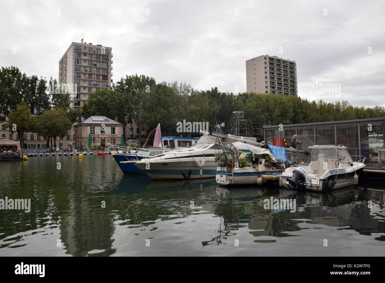 Quai de la Seine, Bassin de la Villette, Paris, France - Stock Image