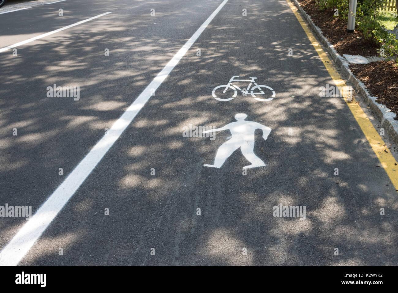 Radweg, gehweg,  Fahrrad, Symbol, Verkehrszeichen. Stock Photo