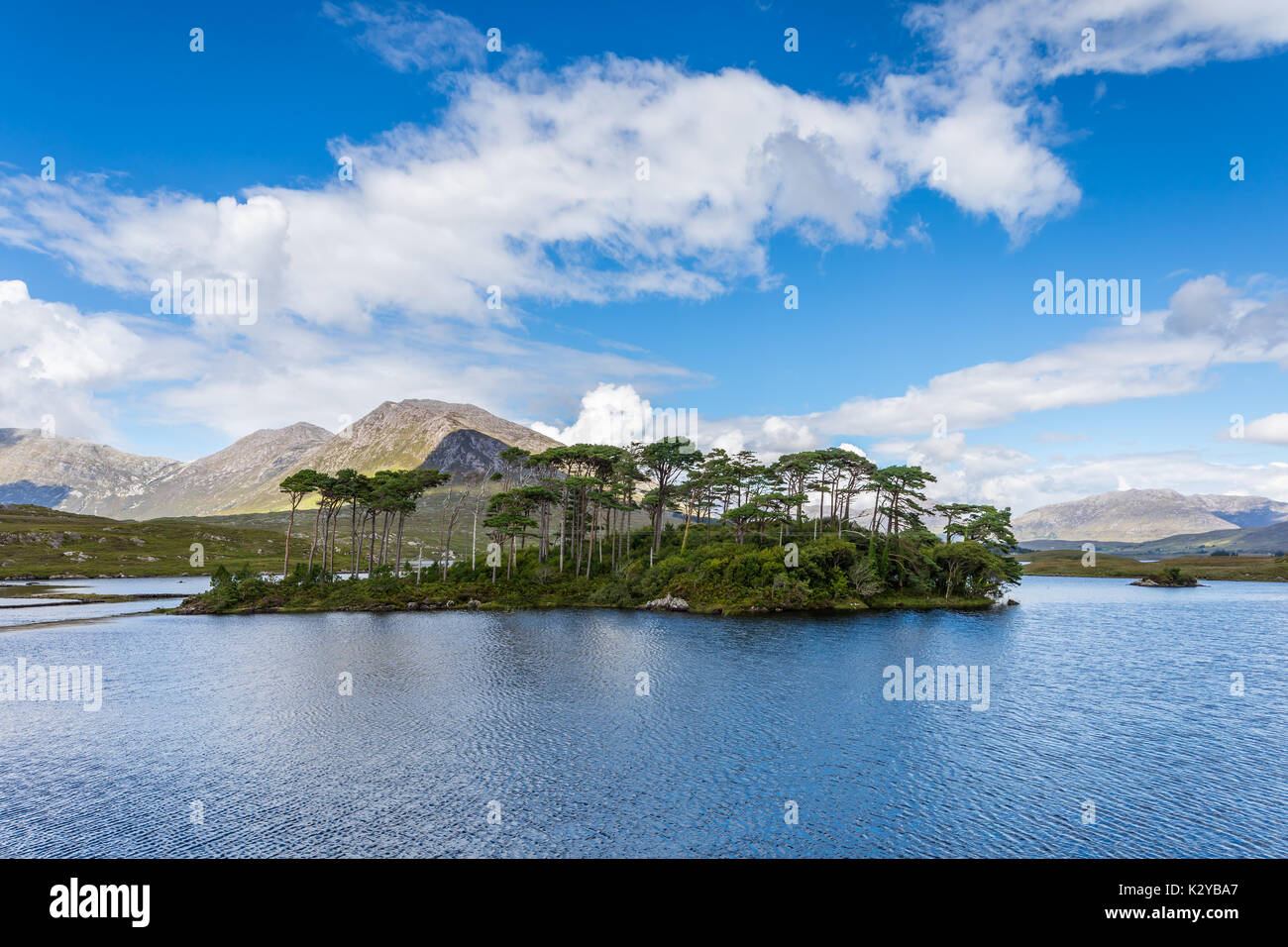 Derryclare Lough is a freshwater lake in the west of Ireland. It is located in the Connemara area of County Galway. Derryclare Lough is located about  - Stock Image
