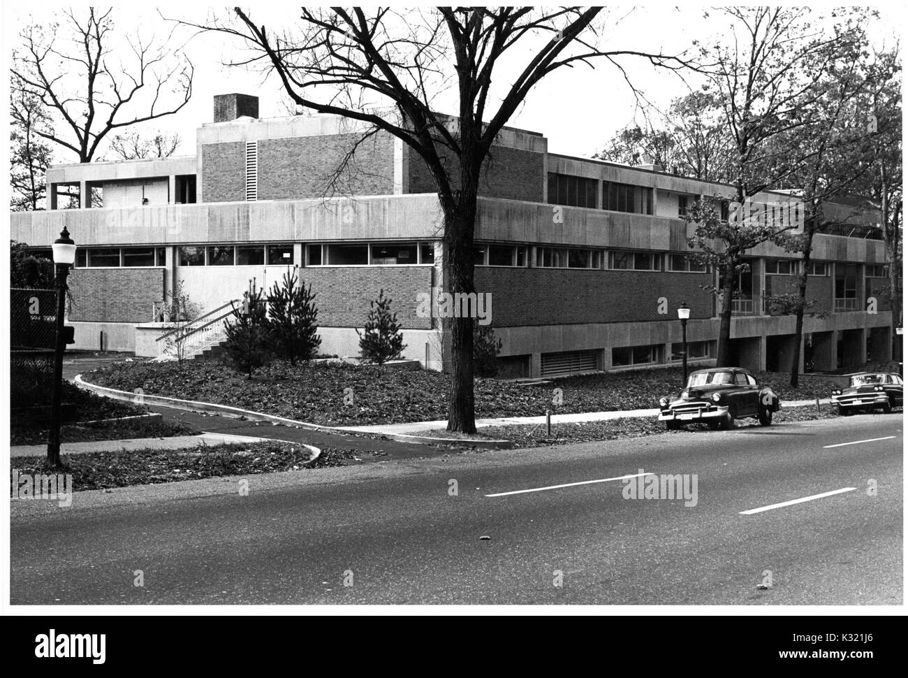 Exterior of the Department of Embryology for the Carnegie Institution for Science, a research organization, on the Homewood campus of Johns Hopkins University in Baltimore, Maryland, November 9, 1961. - Stock Image