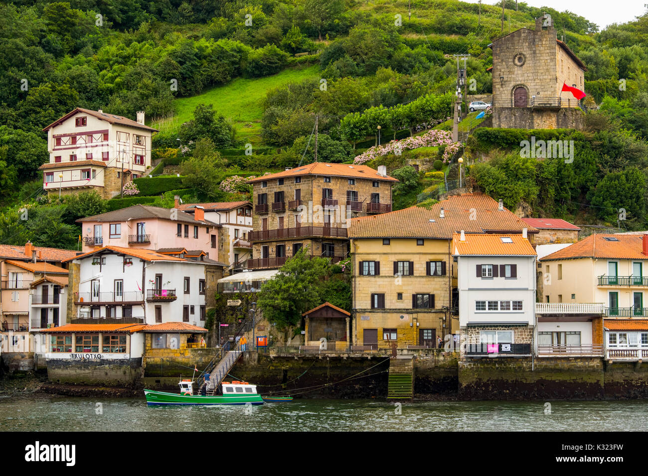 Pasaia Donibane. Fishing village of Pasajes de San Juan. San Sebastian, Bay of Biscay, province of Gipuzkoa, Basque Country, Spain, Europe - Stock Image