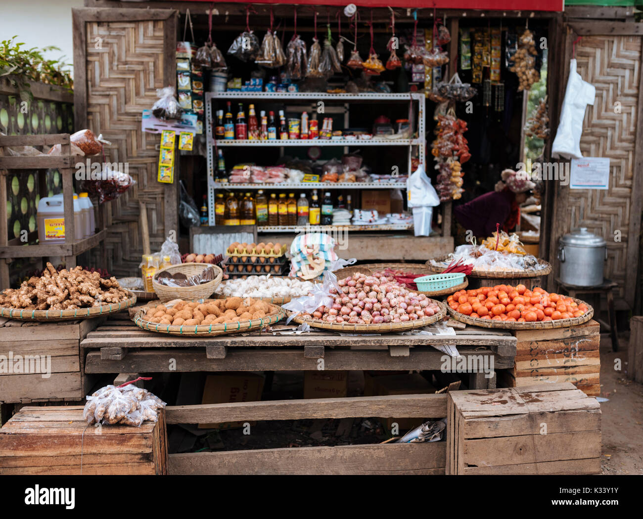 Hsipaw Morning Market, Hsipaw, Shan State, Myanmar, Asia - Stock Image