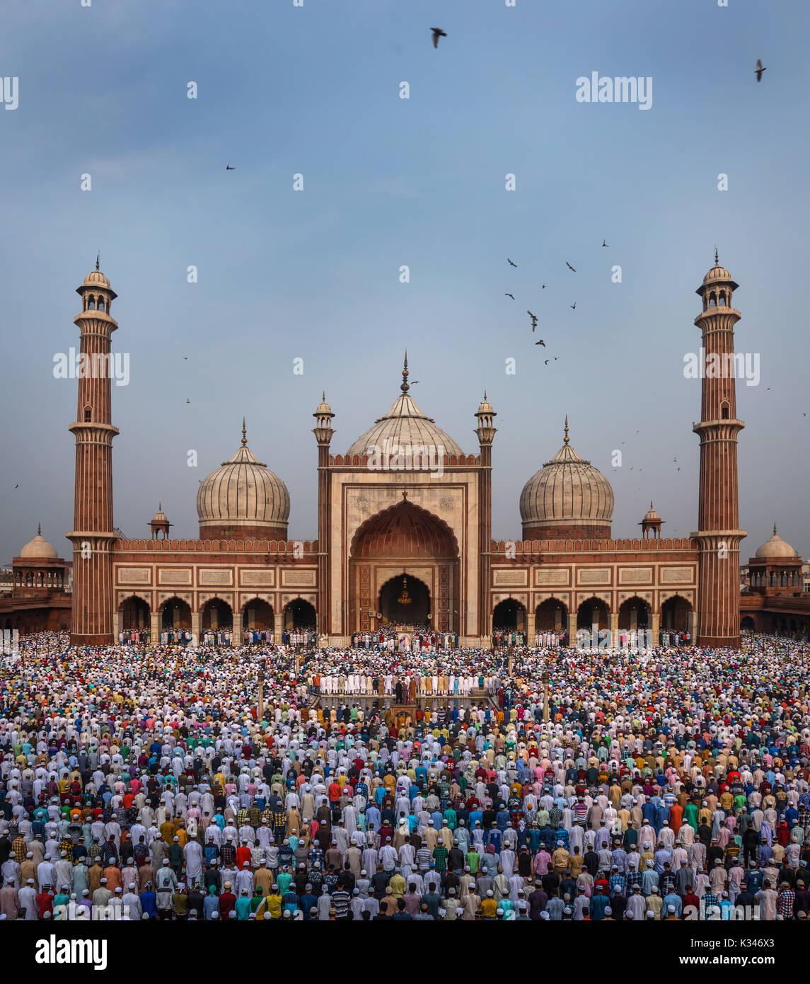 EID Mubarak, Morning EID prayer at Jama Masjid, Delhi, India - Stock Image