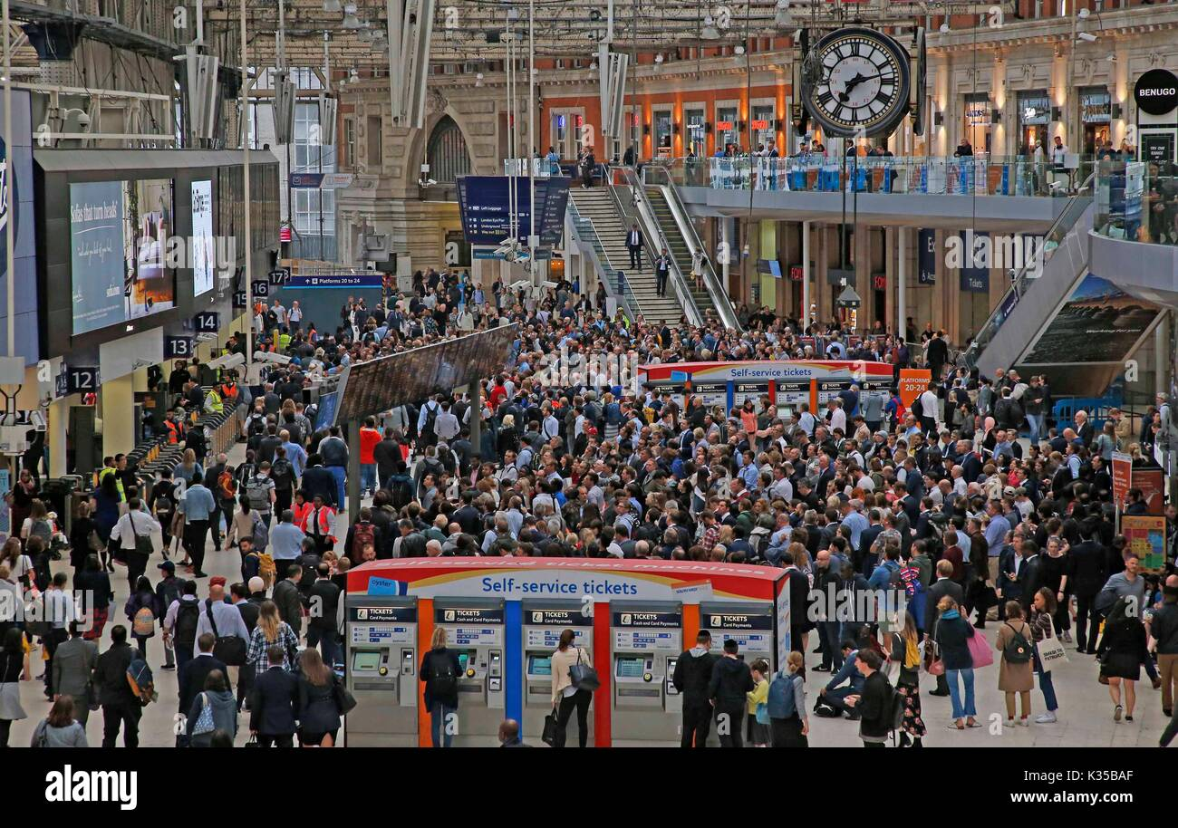 Commuters at Waterloo struggle to get home as engineering works continue at the station. PICTURE BY: NIGEL HOWARD © email: nigelhowardmedia@gmail.com - Stock Image