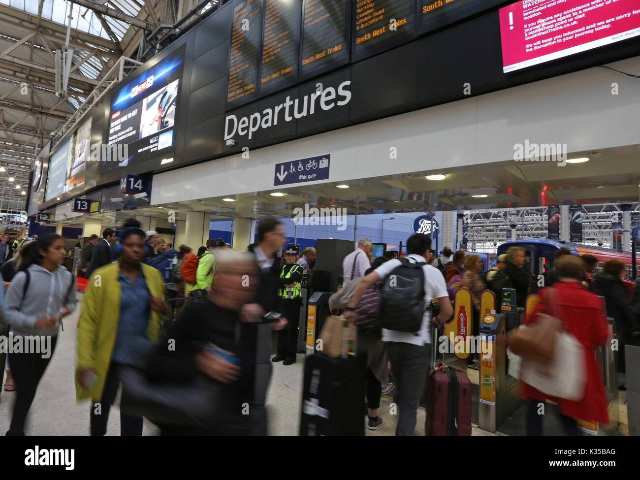 Commuters at Waterloo struggle to get home as engineering works continue at the station. PICTURE BY: NIGEL HOWARD ©   Credit: Evening Standard - Stock Image