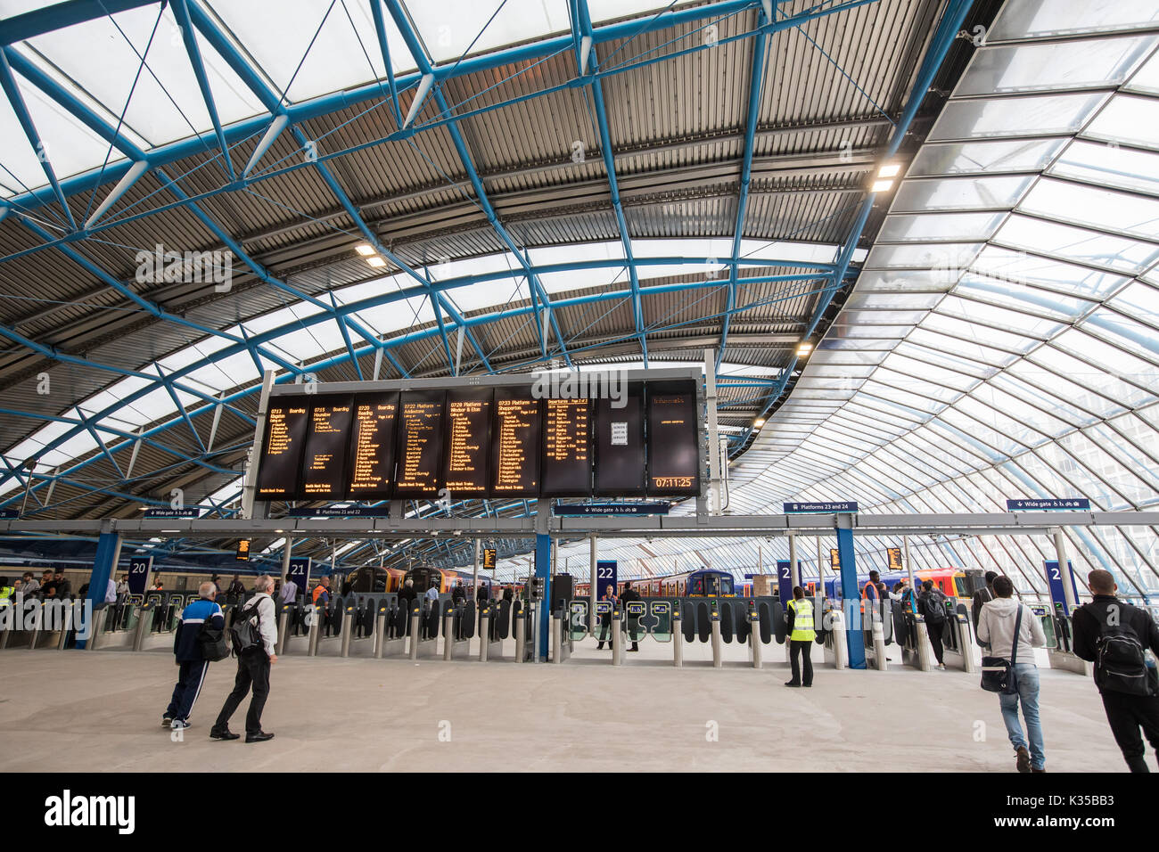 Waterloo Upgrade ..... Commuters arriving at Waterloo during the upgrade with half the platforms in use   Credit: Evening Standard - Stock Image