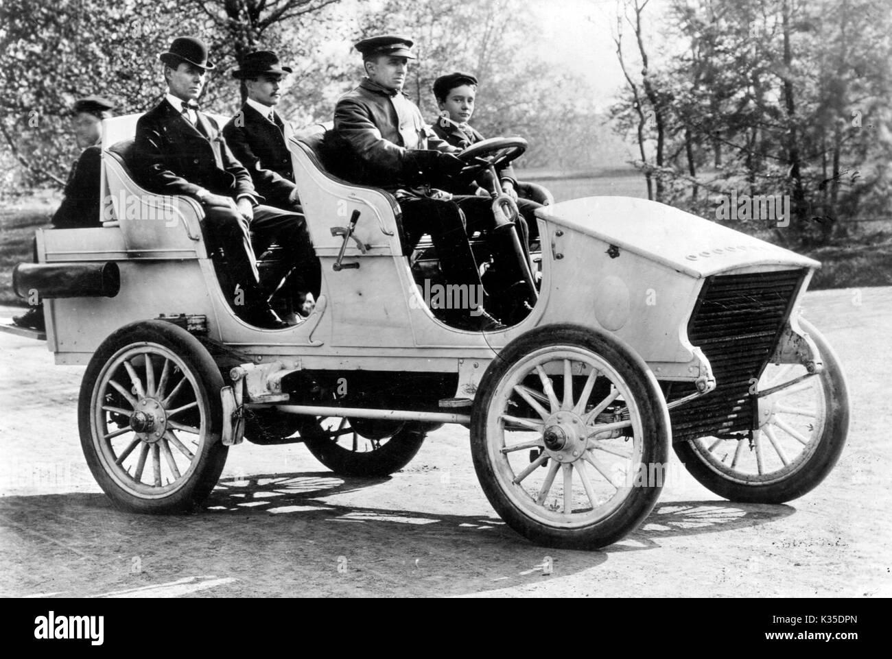 White steam car 1902 Stock Photo - Alamy