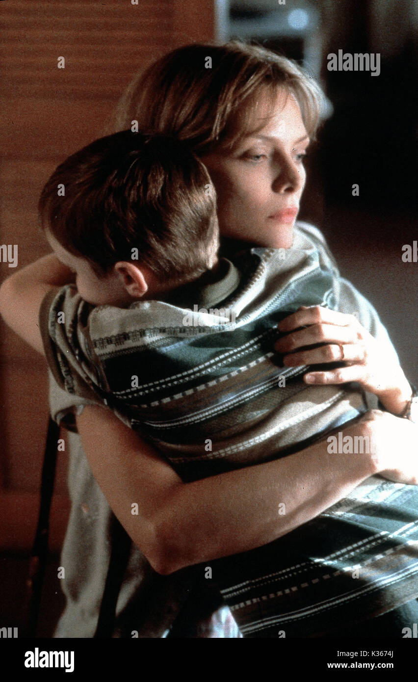THE DEEP END OF THE OCEAN MICHELLE PFEIFFER Date: 1999 Stock Photo