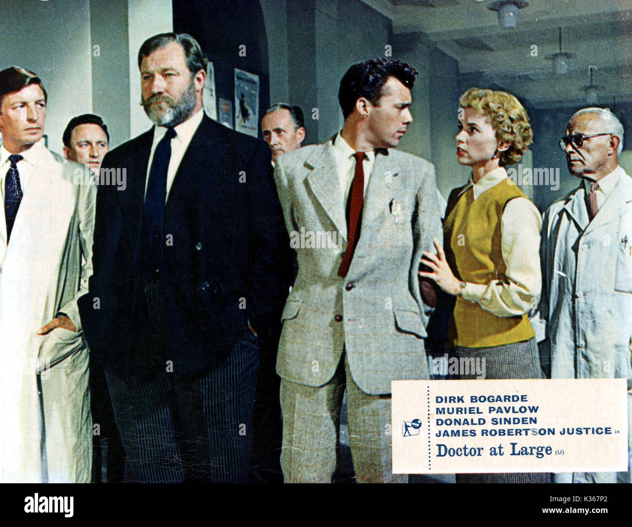 DOCTOR AT LARGE JAMES ROBERTSON-JUSTICE, DIRK BOGARDE AND AND MURIEL PAVLOW - Stock Image