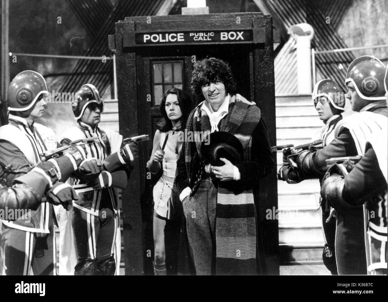 DOCTOR WHO 1977 - 1978 LOUISE JAMESON as Leela, TOM BAKER as the Doctor - Stock Image