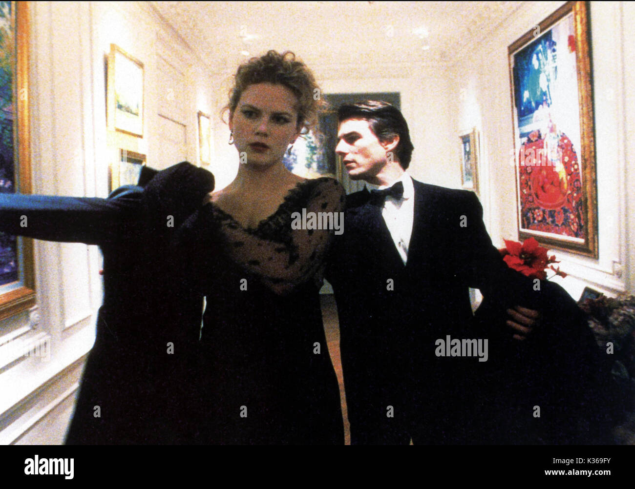 EYES WIDE SHUT NICOLE KIDMAN, TOM CRUISE     Date: 2000 - Stock Image
