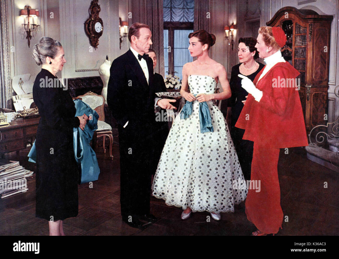 FUNNY FACE unidentified, Fred Astaire, Audrey Hepburn, unidentified and Kay Thompson     Date: 1955 - Stock Image