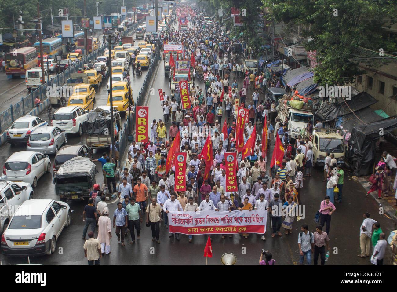 Kolkata, India. 01st Sep, 2017. kolkata,India, 01 september, 2017. Traffic came to a halt due to the anti-imperialist rally Credit: Sudip Maiti/Alamy Live News - Stock Image