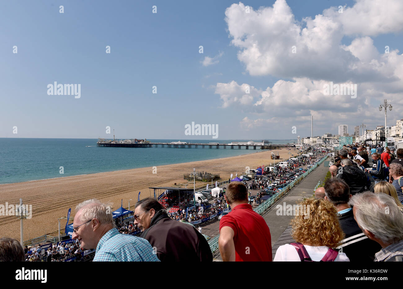 Brighton, UK. 2nd Sep, 2017. Crowds of motor racing enthusiasts at the Brighton Speed Trials held on the seafront Stock Photo