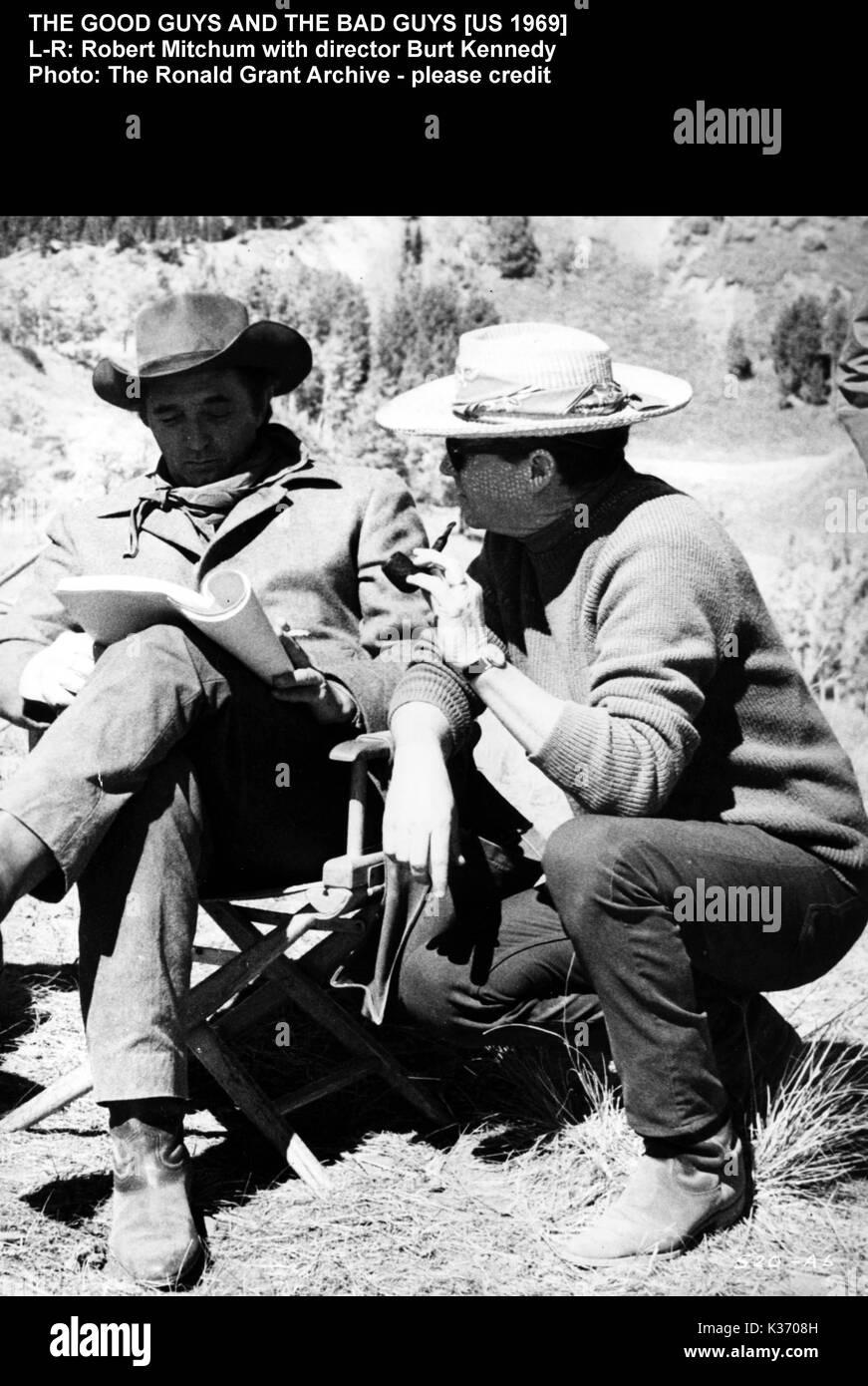 THE GOOD GUYS AND THE BAD GUYS L-R, ROBERT MITCHUM, director BURT KENNEDY - Stock Image