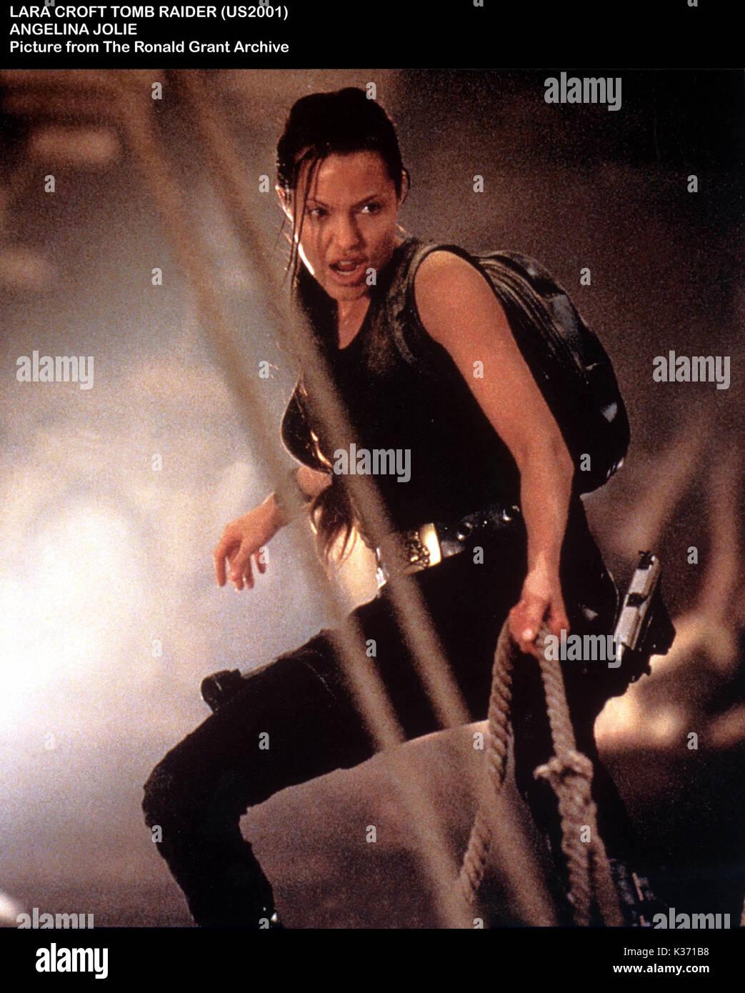 LARA CROFT: TOMB RAIDER ANGELINA JOLIE     Date: 2001 - Stock Image