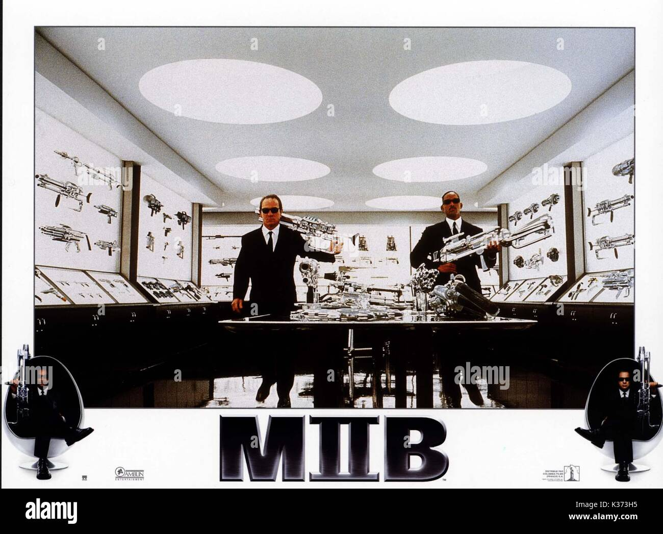 Men In Black Ii Tommy Lee Jones And Will Smith Date 2002 Stock Photo Alamy