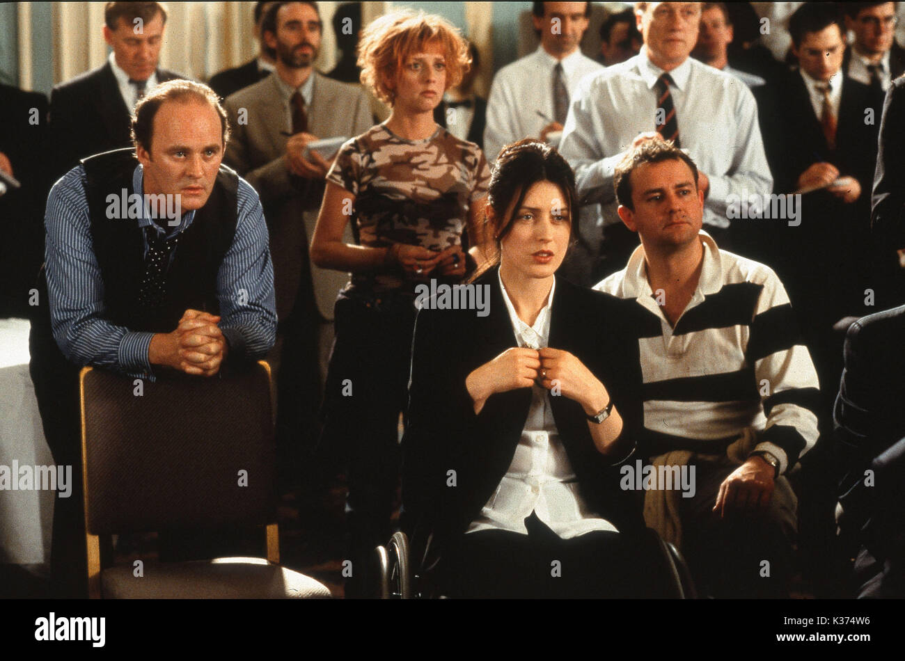 NOTTING HILL L-R, TIM McINNERNY, EMMA CHAMBERS, GINA McKEE AND HUGH BONNEVILLE A WORKING TITLE FILM - Stock Image