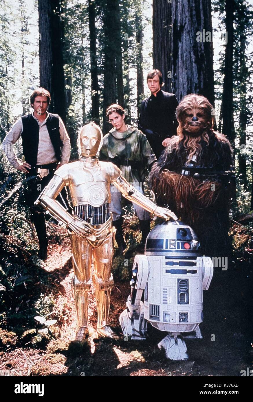 RETURN OF THE JEDI HARRISON FORD, CARRIE FISHER, MARK HAMILL, PETER MAYHEW YOU MUST CREDIT: LUCASFILM LTD     Date: 1983 - Stock Image