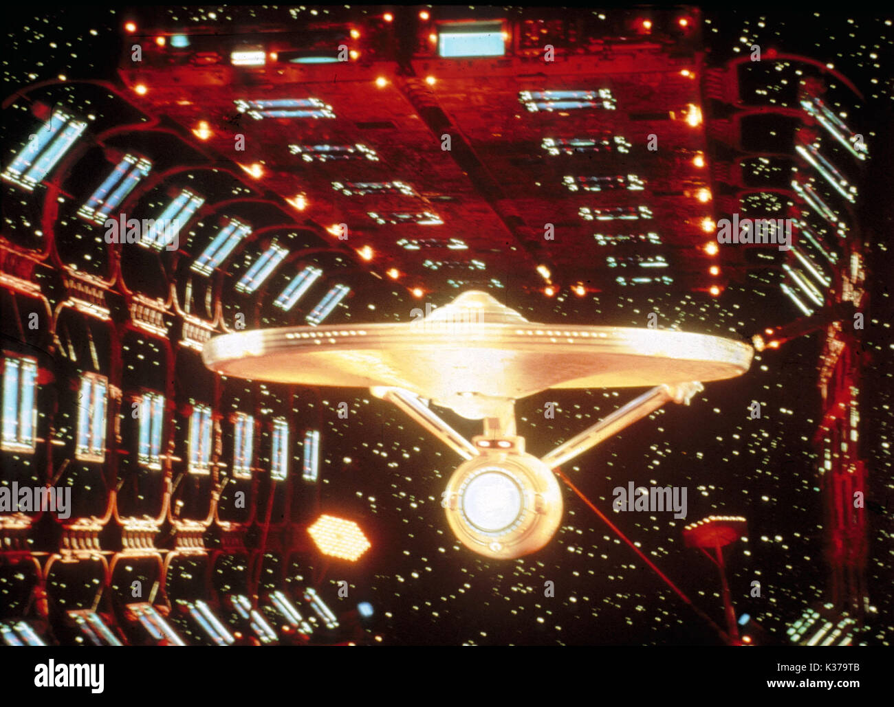 STAR TREK: THE MOTION PICTURE PARAMOUNT PICTURES Starship