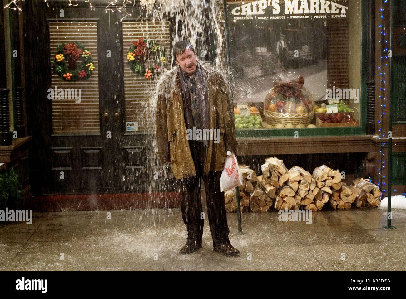 CHRISTMAS WITH THE KRANKS TIM ALLEN     Date: 2004 - Stock Image