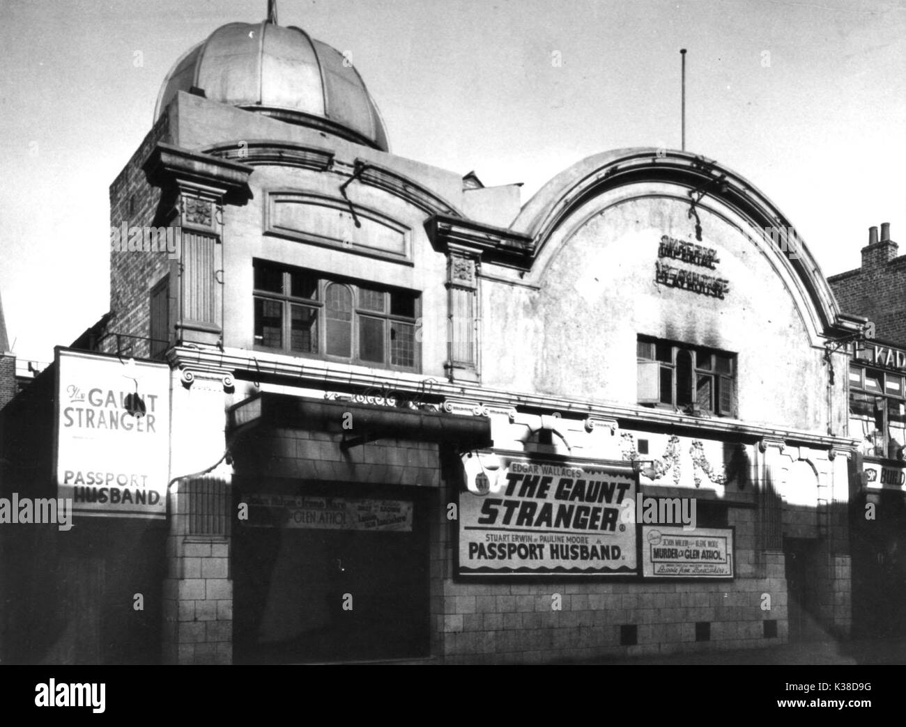IMPERIAL PLAYHOUSE CINEMA POTOBELLO ROAD NOTTING HILL GATE WEST LONDON PICTURE FROM THE RONALD GRANT ARCHIVE IMPERIAL PLAYHOUSE CINEMA POTOBELLO ROAD NOTTING HILL GATE WEST LONDON - Stock Image