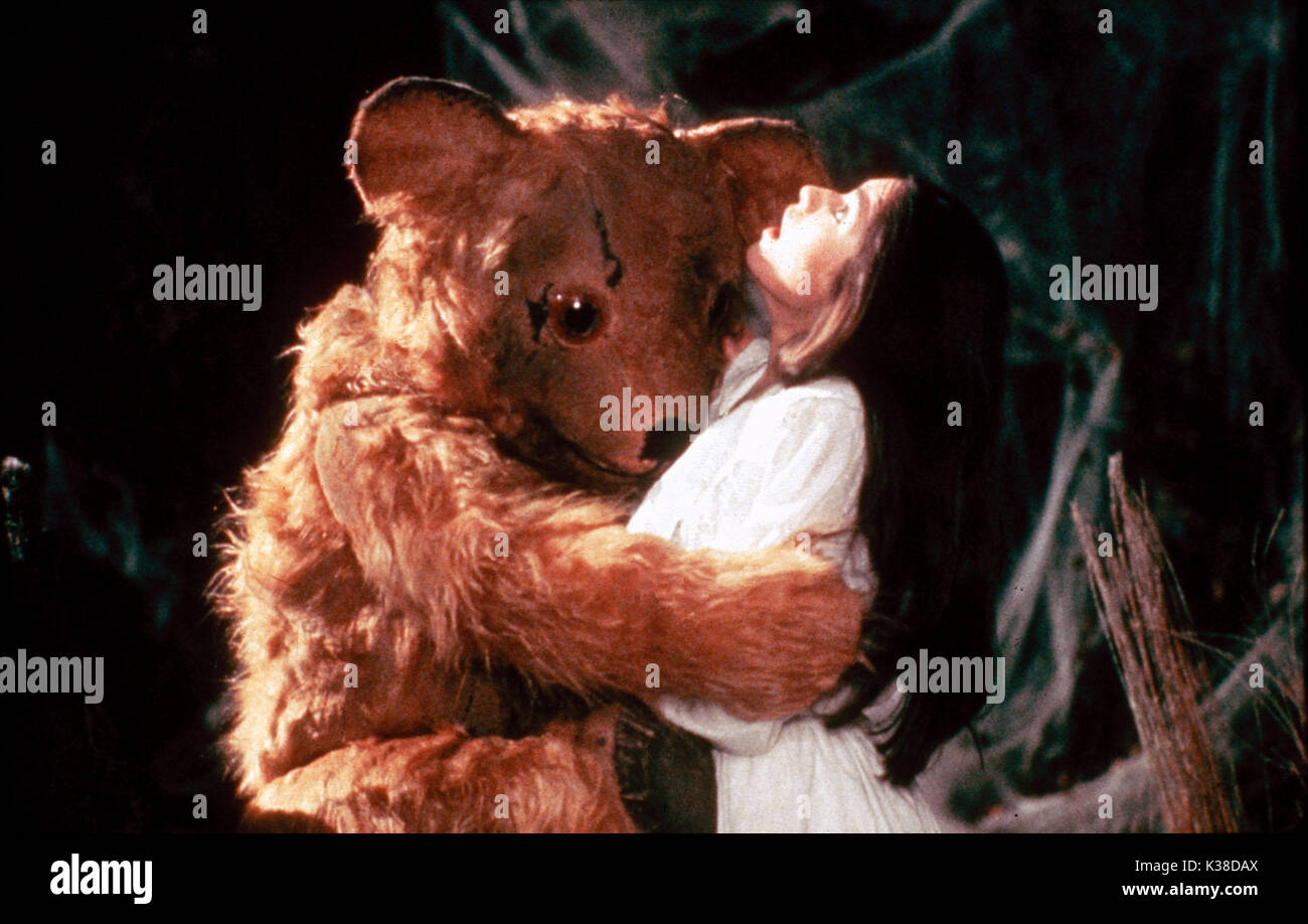 THE COMPANY OF WOLVES SARAH PATTERSON DIRECTOR: NEIL JORDAN WRITERS: NEIL JORDAN AND ANGELA CARTER CANNON FILMS PICTURE FROM THE RONALD GRANT ARCHIVE THE COMPANY OF WOLVES     Date: 1984 - Stock Image